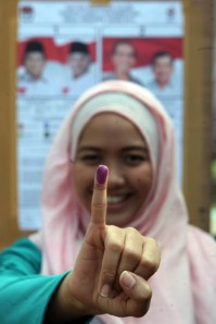 election-05-1-682x1024